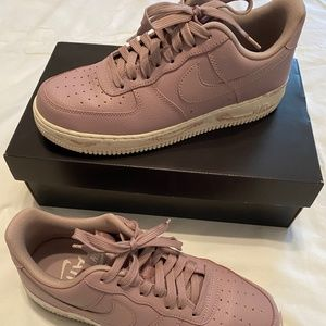 Nike Air Force - Men's